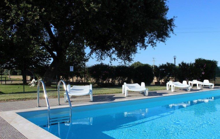 Avere a disposizione una piscina gratuitamente per intero soggiorno